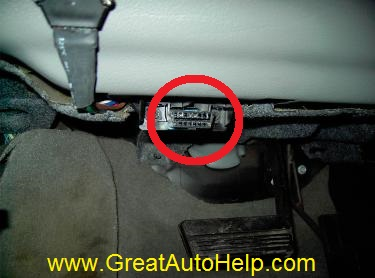 Pict X on 2000 Lincoln Town Car Temperature Sensor