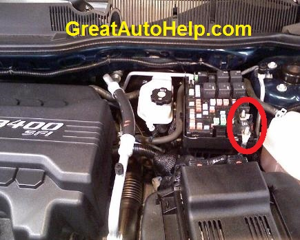 fuse2 435x365 2006 chevy equinox power steering light on dash 2007 chevy cobalt fuse box location at gsmportal.co